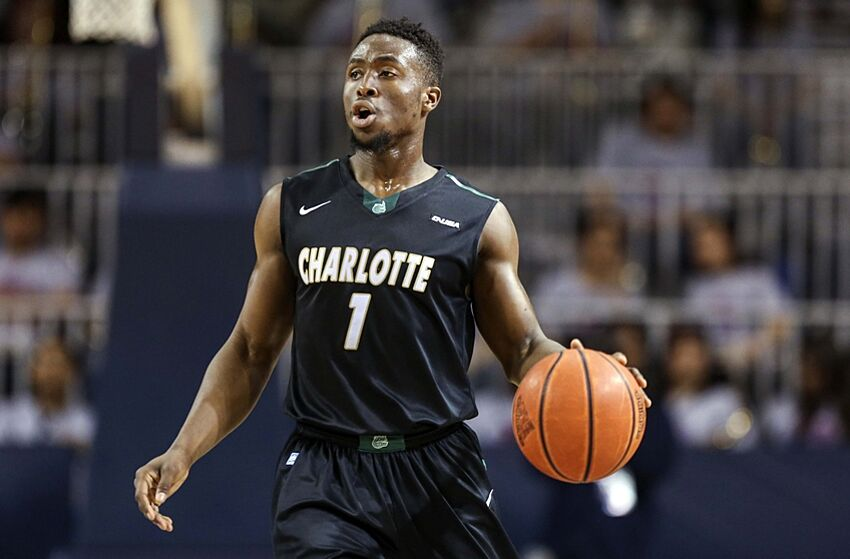 4cd0555e6e4 Feb 28, 2015; Houston, TX, USA; Charlotte 49ers guard Braxton Ogbueze
