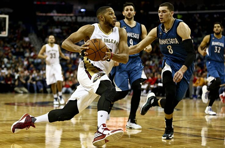 New Orleans Pelicans Guard Eric Gordon Re Fractures Right