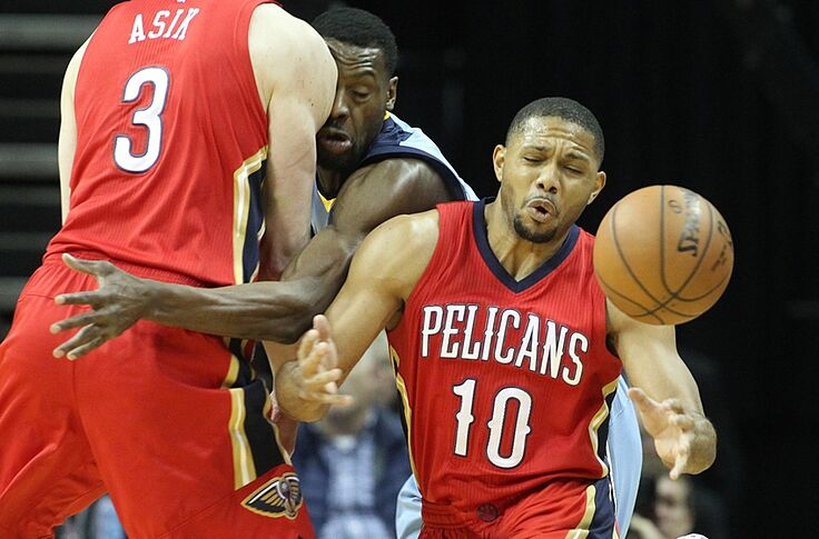 New Orleans Pelicans Pixels Eric Gordon Is Frustrating