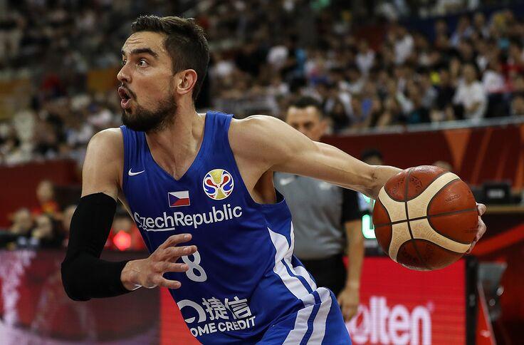 100% authentic 141c6 5d438 Chicago Bulls: Tomas Satoransky's Strong FIBA a good sign