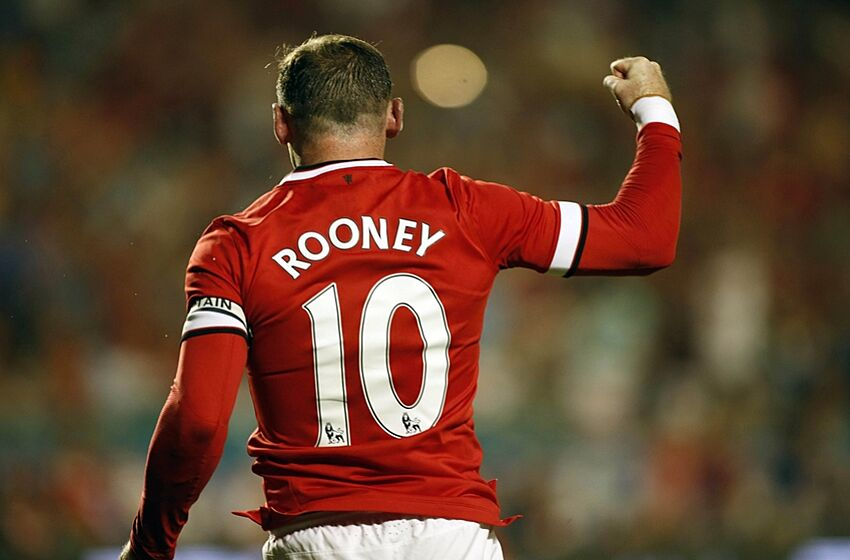 Wayne Rooney equals Manchester United scoring record