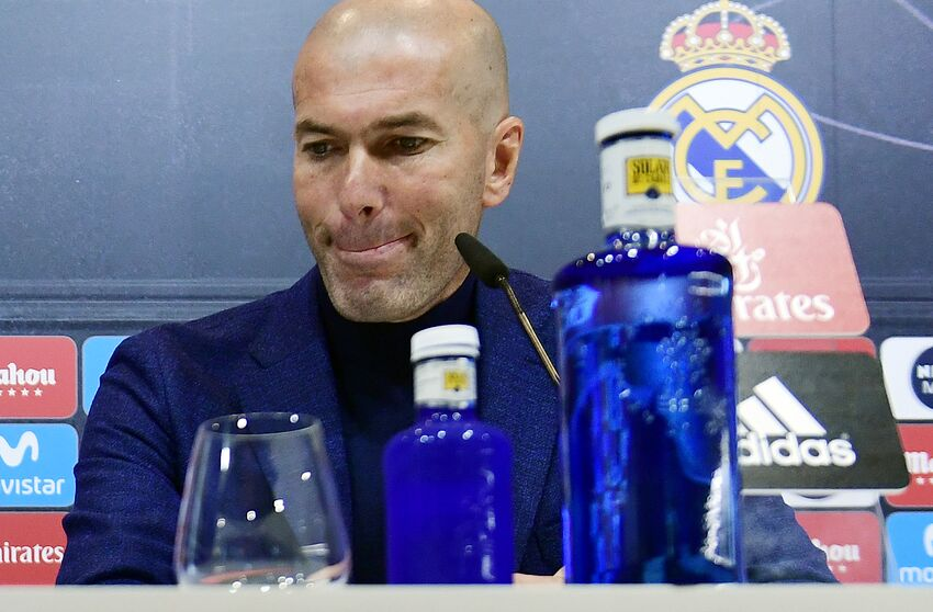 TOPSHOT - Real Madrid's French coach Zinedine Zidane gives a press conference to announce his resignation in Madrid on May 31, 2018. - Real Madrid coach Zinedine Zidane said today he was leaving the Spanish giants, just days after winning the Champions League for the third year in a row. (Photo by PIERRE-PHILIPPE MARCOU / AFP) (Photo credit should read PIERRE-PHILIPPE MARCOU/AFP/Getty Images)