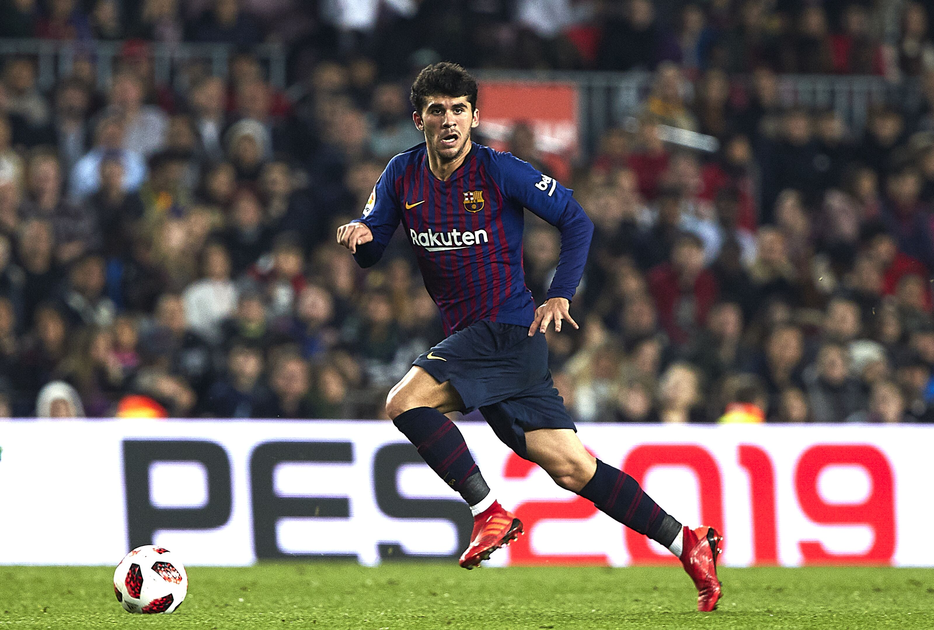 BARCELONA, SPAIN - DECEMBER 05: Carles Alena of FC Barcelona controls the ball during the Spanish Copa del Rey second leg match between FC Barcelona and Cultural Leonesa at Camp Nou on December 05, 2018 in Barcelona, Spain. (Photo by Quality Sport Images/Getty Images)