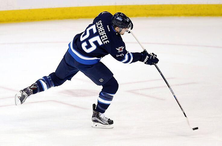 best service 38d1b 5ce12 Winnipeg Jets F Mark Scheifele Signs 8-Year Contract