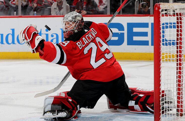 huge selection of 59f6f 71561 New Jersey Devils: MacKenzie Blackwood Fights Carter Hart At ...