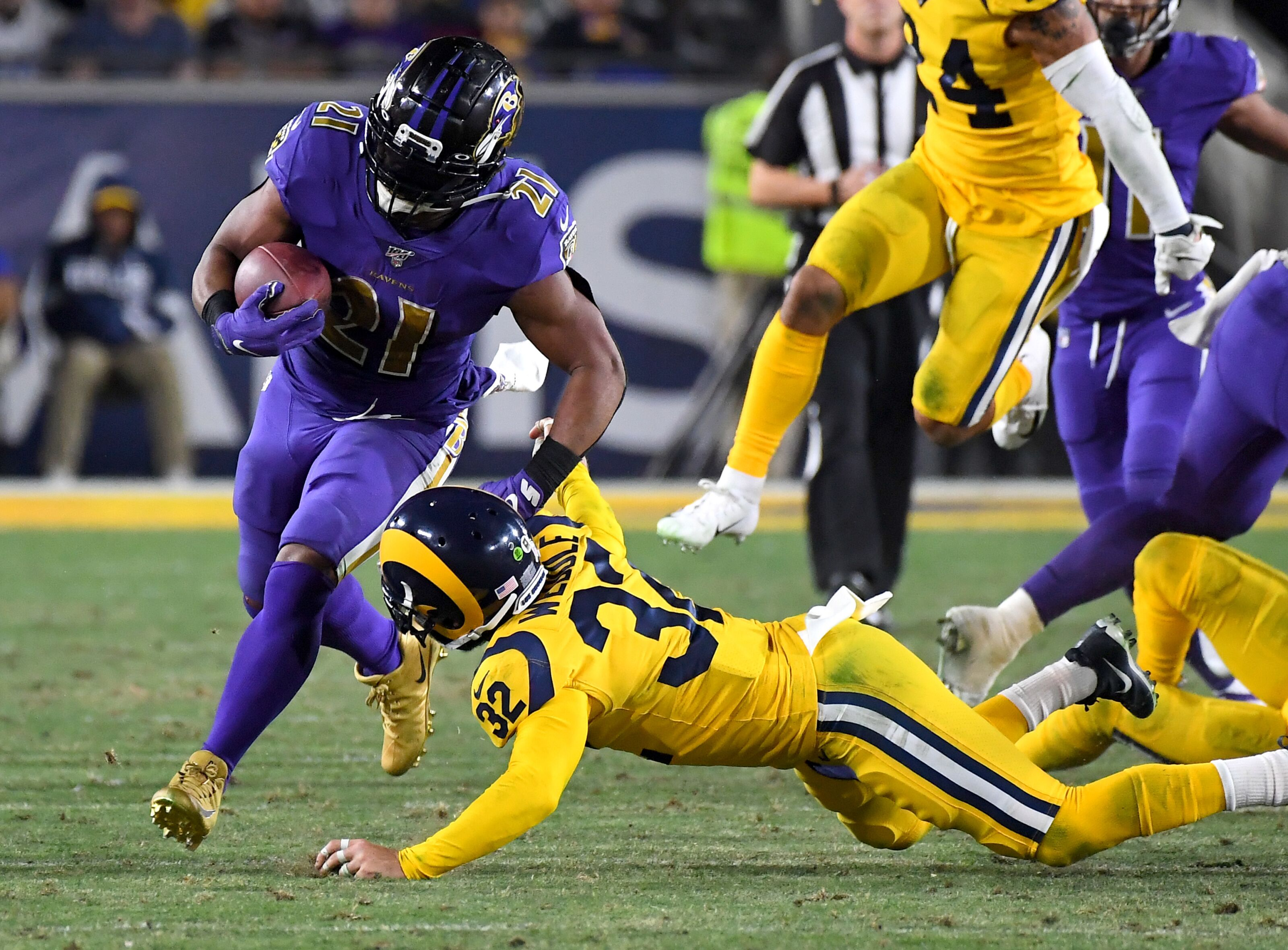 LA Rams S Eric Weddle recovery on track, as is diminished role