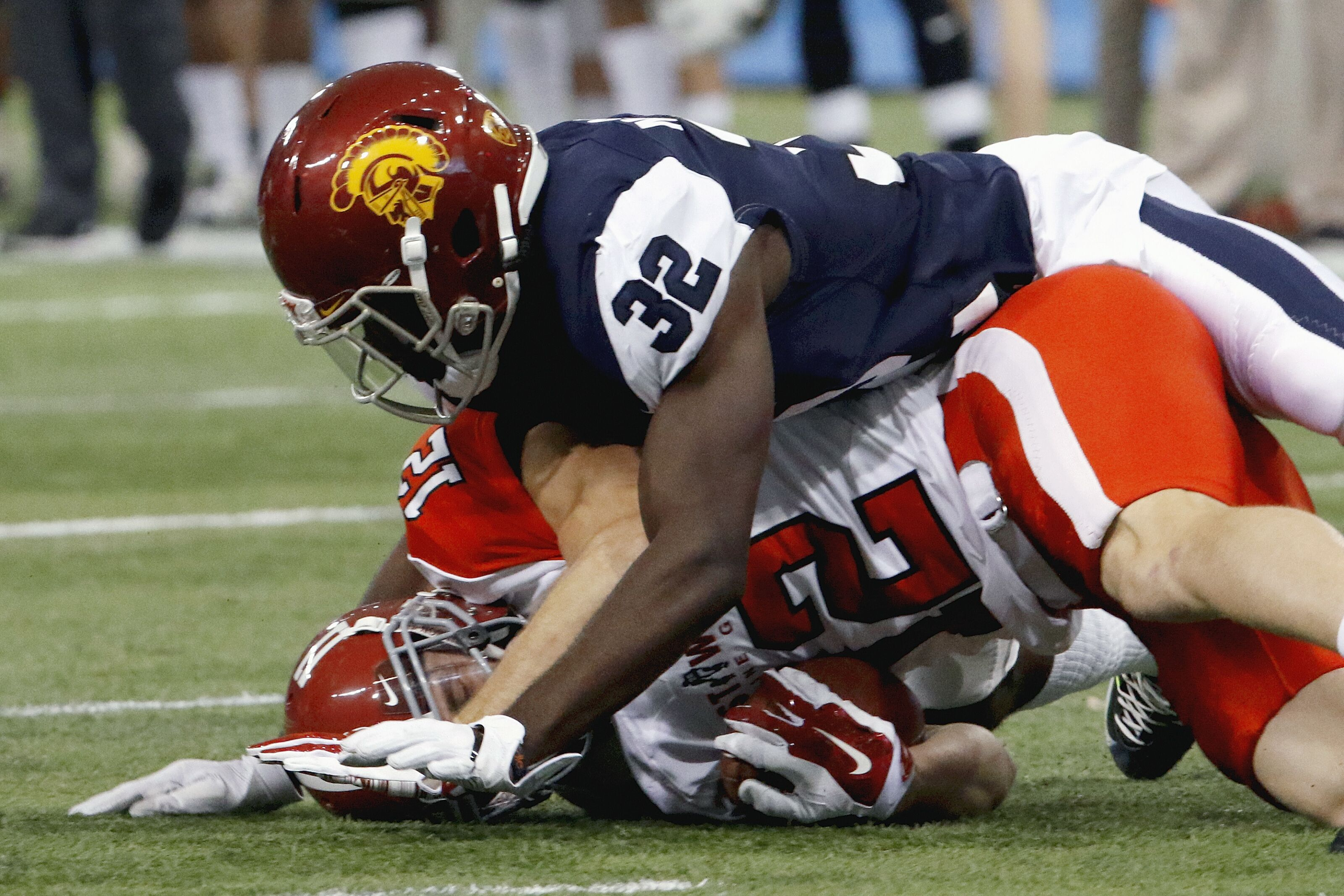 LA Rams fans watch out for these West defensive prospects