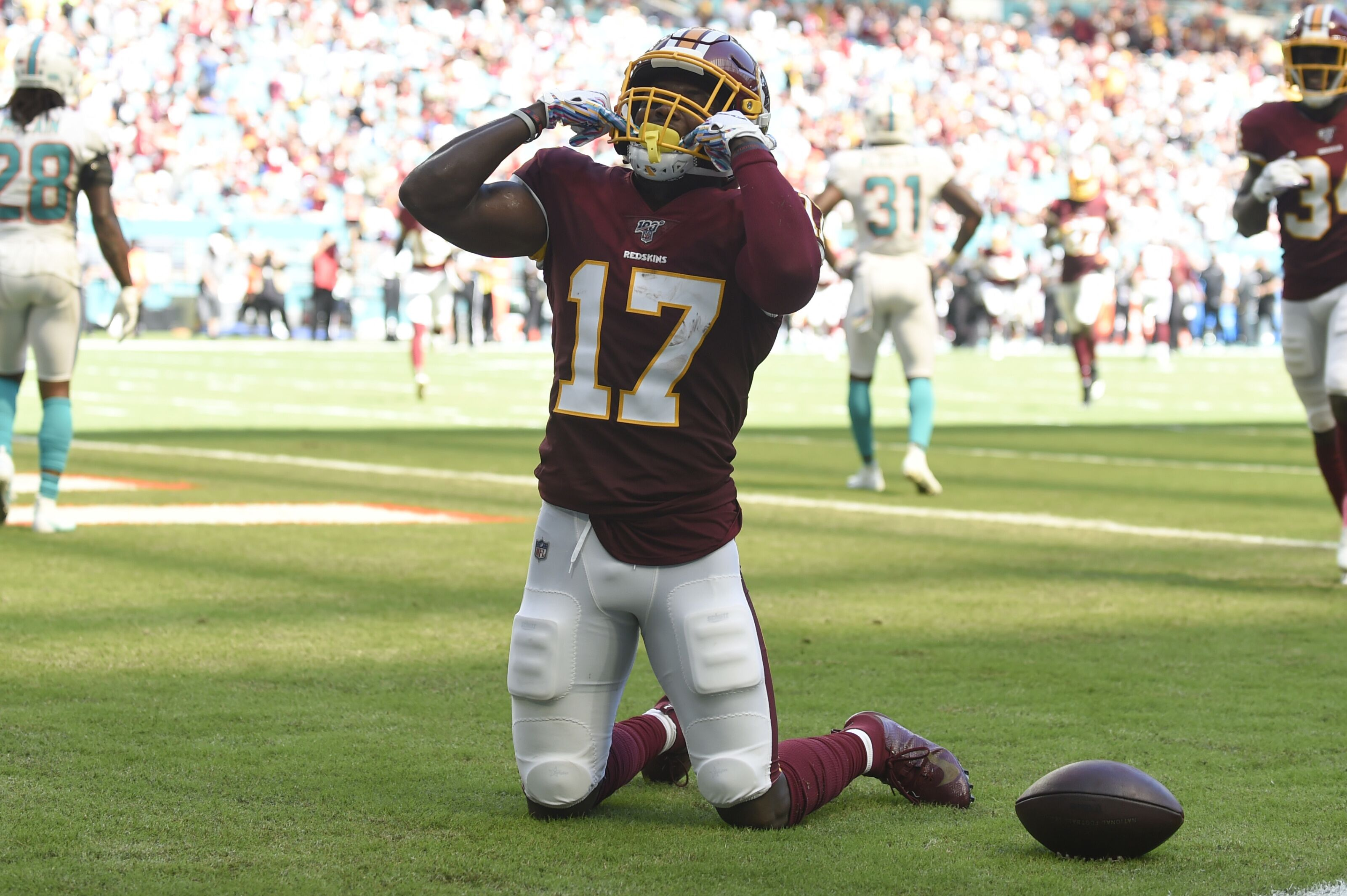 Redskins narrowly avoid defeat at the hands of the Dolphins, win 17-16