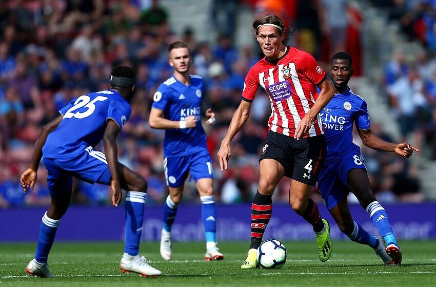ccd088ef3bc SOUTHAMPTON, ENGLAND - AUGUST 25: Onyinye Wilfred Ndidi of Leicester City  puts pressure on