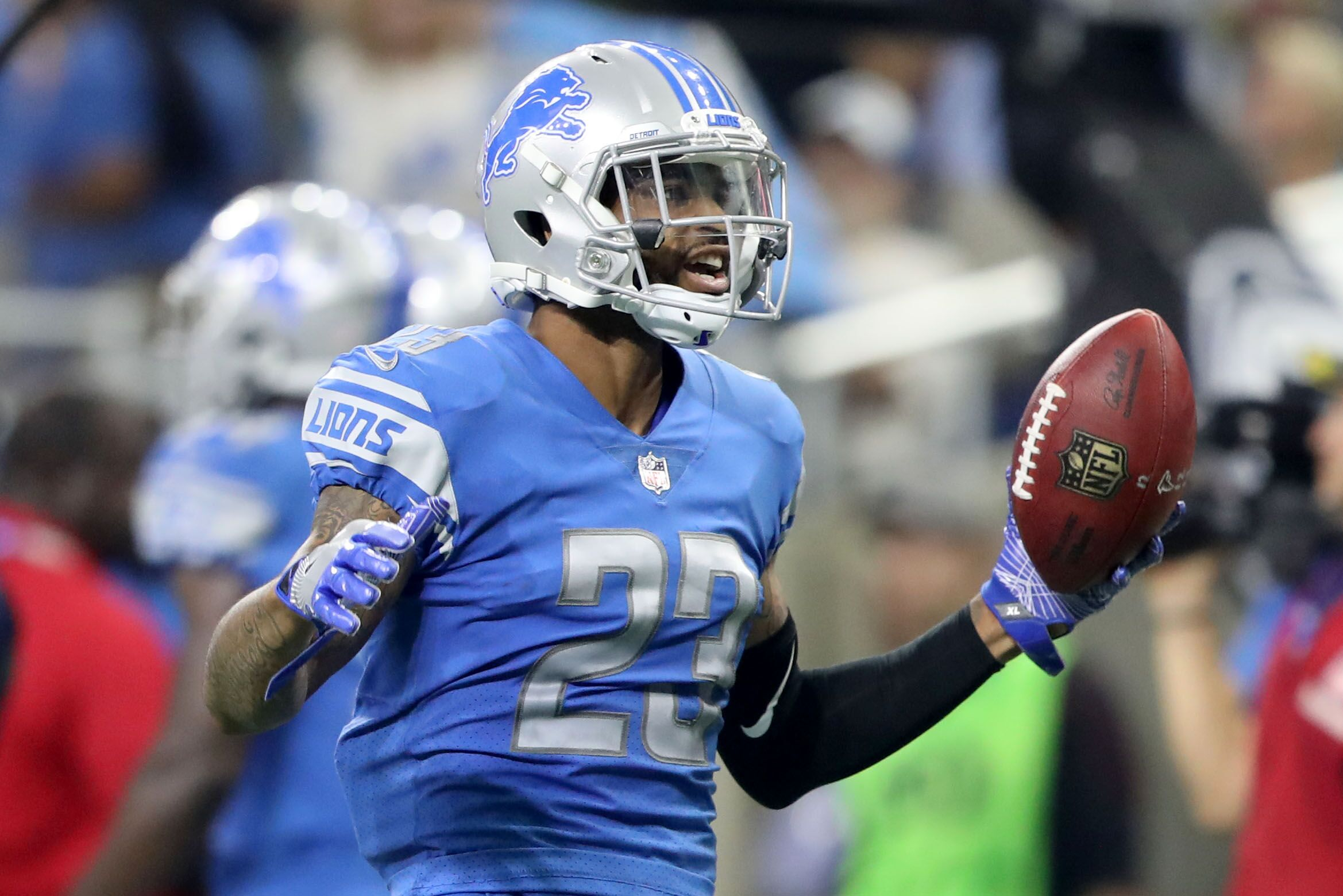 Here's why the Detroit Lions can't give in to contract disputes
