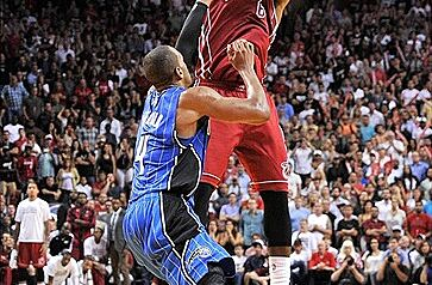 564d7f78e81a VIDEO  LeBron James hits game-winner vs Magic