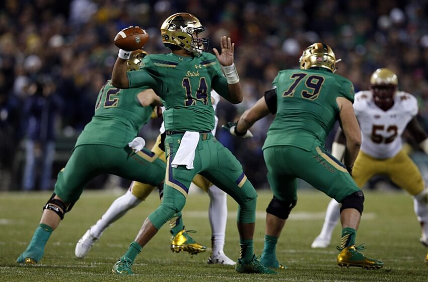 6b0616107d8 Nov 21, 2015; Boston, MA, USA; Notre Dame Fighting Irish quarterback