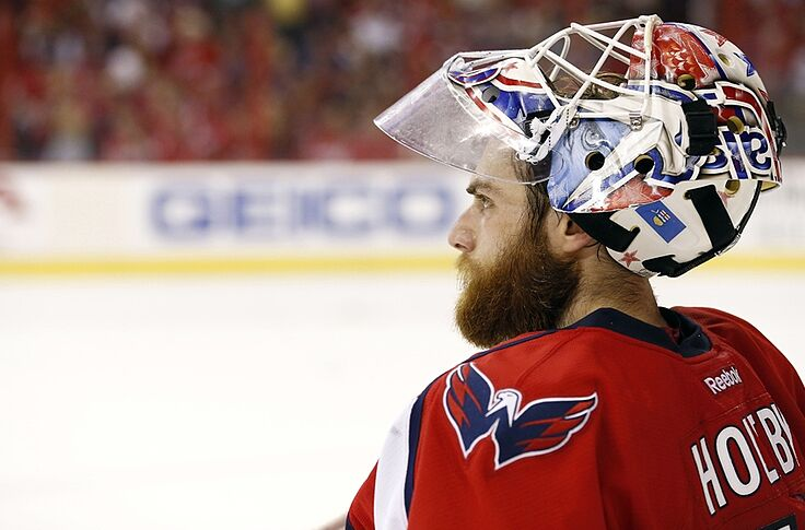 925773cde96 Washington Capitals Re-Sign Braden Holtby To 5 Year Deal
