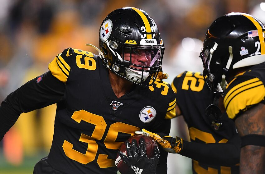 PITTSBURGH, PA - OCTOBER 28: Minkah Fitzpatrick #39 of the Pittsburgh Steelers celebrates after intercepting a pass during the third quarter against the Miami Dolphins at Heinz Field on October 28, 2019 in Pittsburgh, Pennsylvania. (Photo by Joe Sargent/Getty Images)