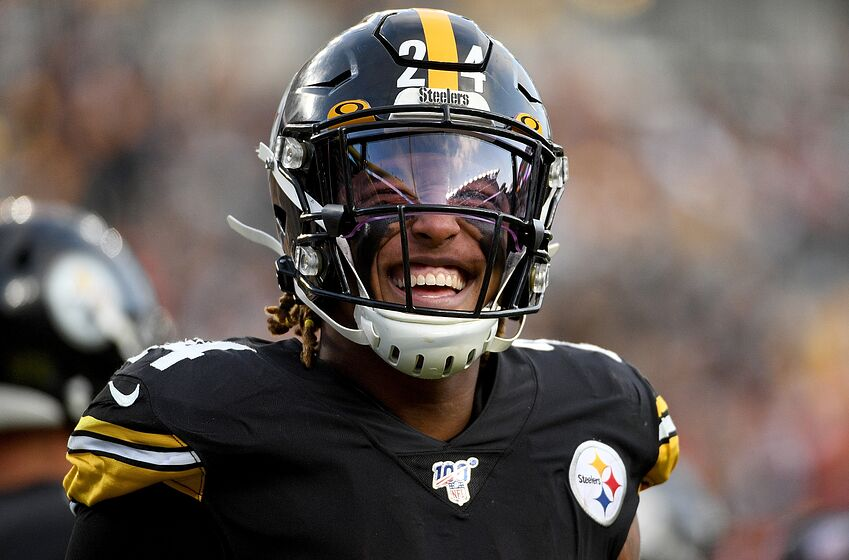 PITTSBURGH, PA - DECEMBER 01: Benny Snell #24 of the Pittsburgh Steelers smiles on the sidelines in the fourth quarter during the game against the Cleveland Browns at Heinz Field on December 1, 2019 in Pittsburgh, Pennsylvania. (Photo by Justin Berl/Getty Images)