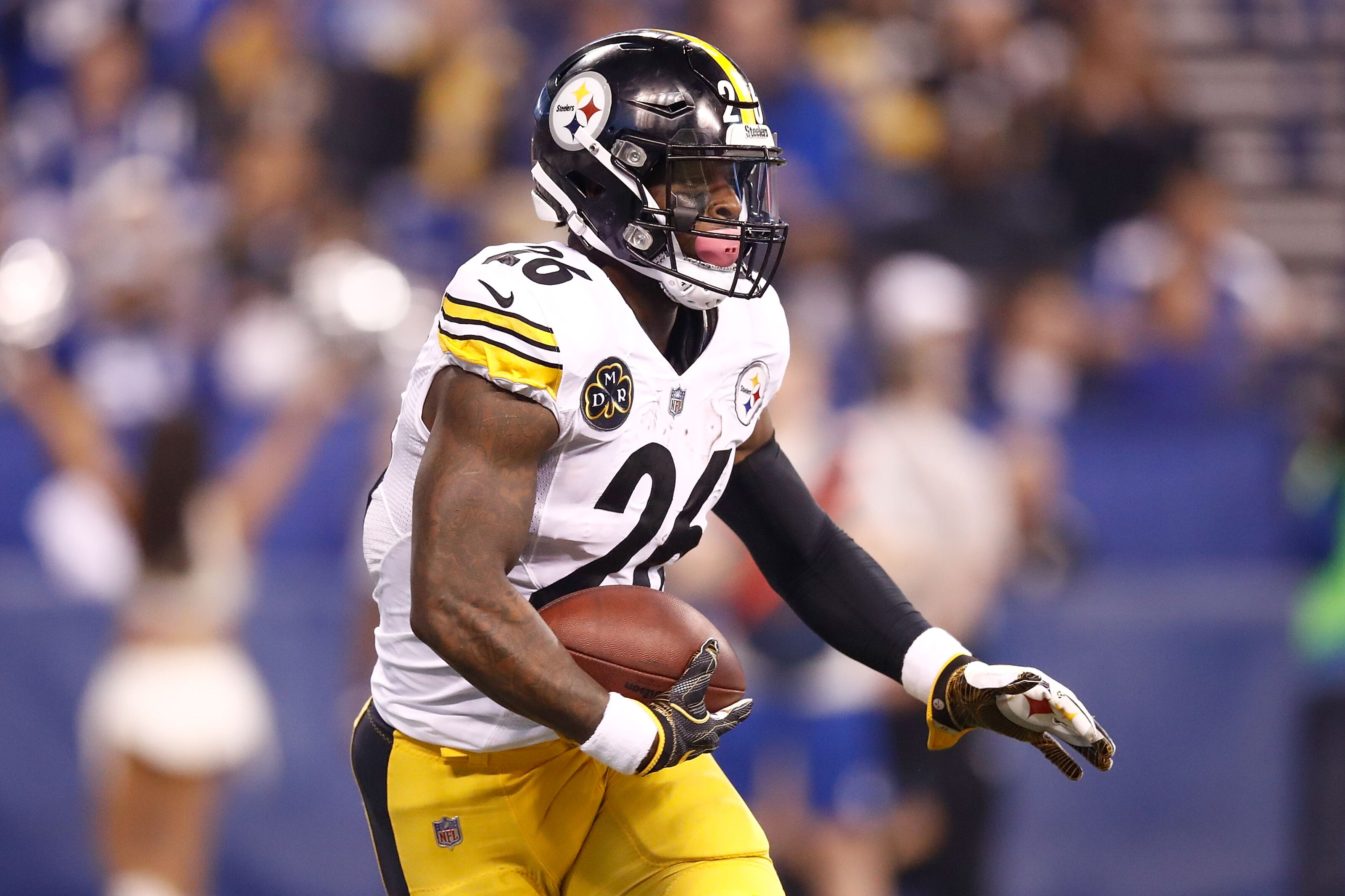 Indianapolis In November 12 Leveon Bell 26 Of The Pittsburgh