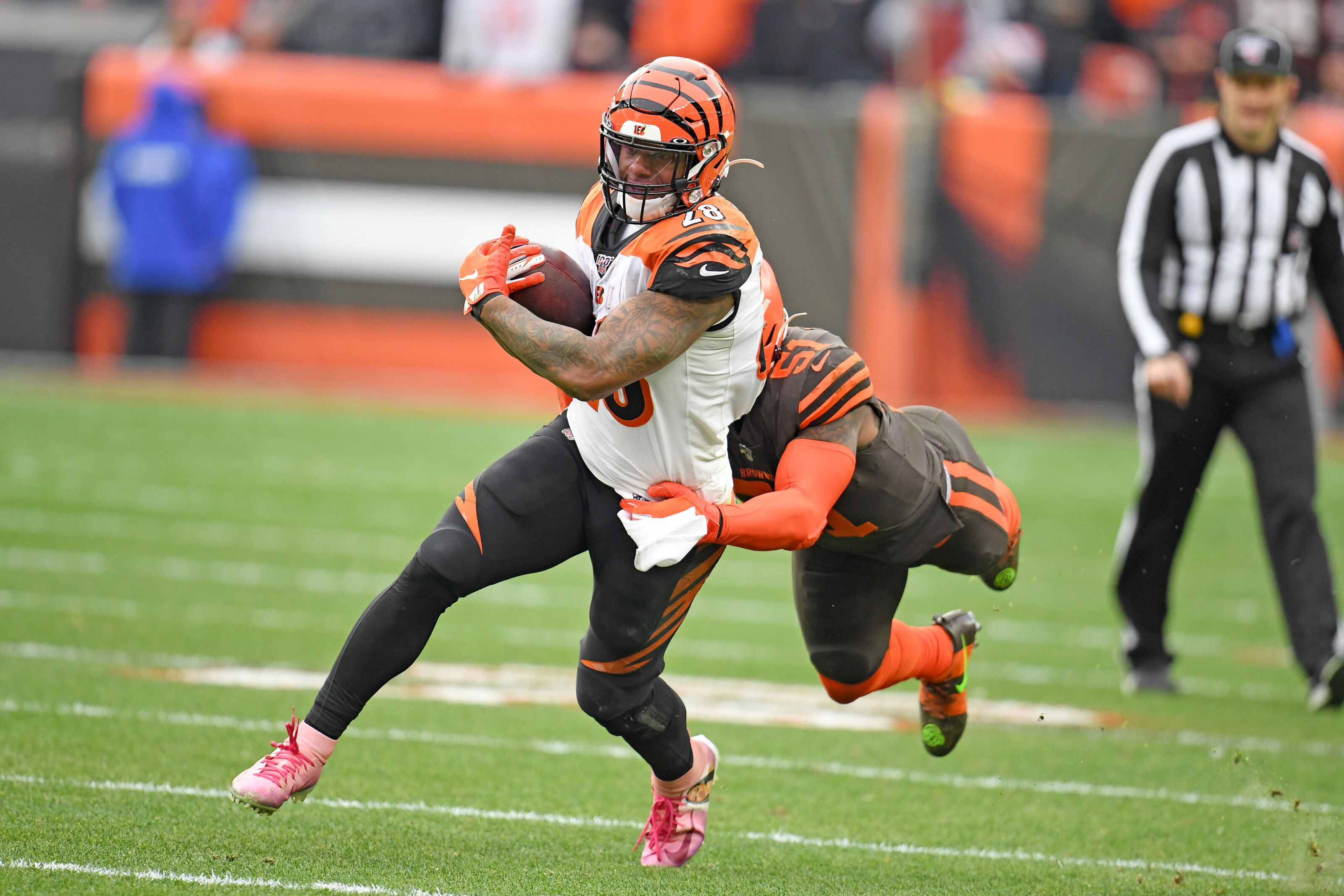 Hard luck Bengals lose 27-19 at Cleveland, fall to 1-12