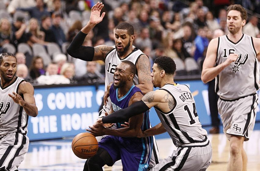 Charlotte Hornets Struggle Mightily in Blowout Loss to San Antonio 07a34ec0c