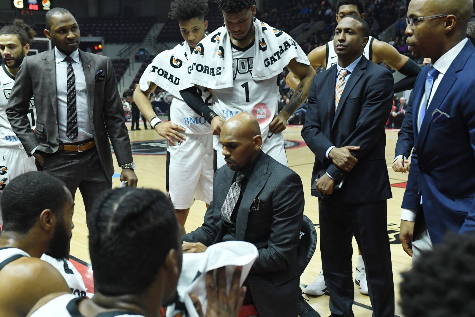 MISSISSAUGA, CANADA - APRIL 10: Coach Jerry Stackhouse of the Raptors 905 huddles with his team during the game against the Austin Spurs during Round Two of the NBA G-League playoffs on April 10, 2018 at the Hershey Centre in Mississauga, Ontario, Canada. NOTE TO USER: User expressly acknowledges and agrees that, by downloading and or using this Photograph, user is consenting to the terms and conditions of the Getty Images License Agreement. Mandatory Copyright Notice: Copyright 2018 NBAE (Photo by Ron Turenne/NBAE via Getty Images)