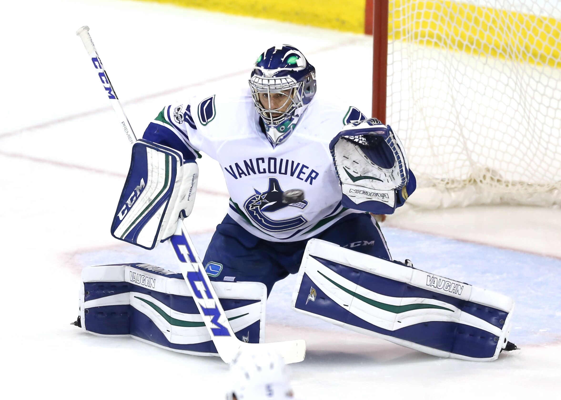 Canucks: Ryan Miller contract talks will start at NHL Combine