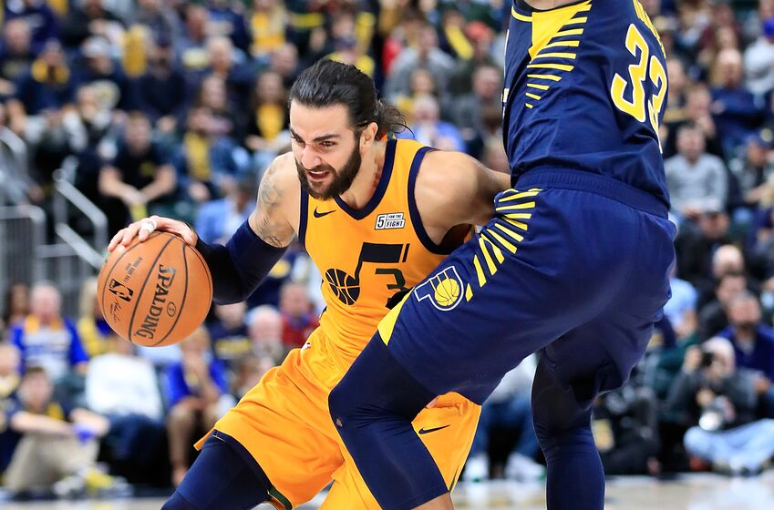 INDIANAPOLIS, IN - NOVEMBER 19 Ricky Rubio 3 of the Utah Jazz dribbles