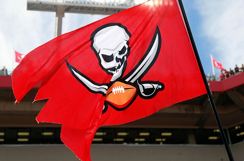 Buccaneers  Best Player to Wear Number 85 86e22dfa3