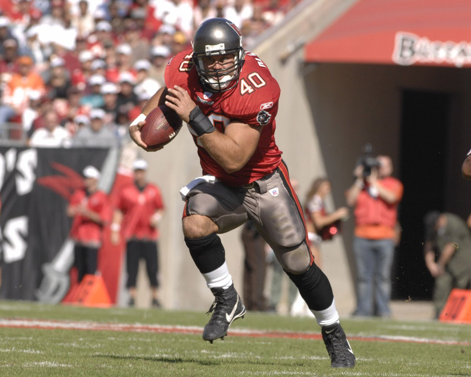 Tampa Bay Buccaneers: The difficult legacy of running back Mike Alstott