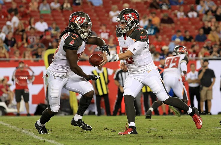 outlet store f148c 210e7 Tampa Bay Buccaneers sign eight players to futures deals