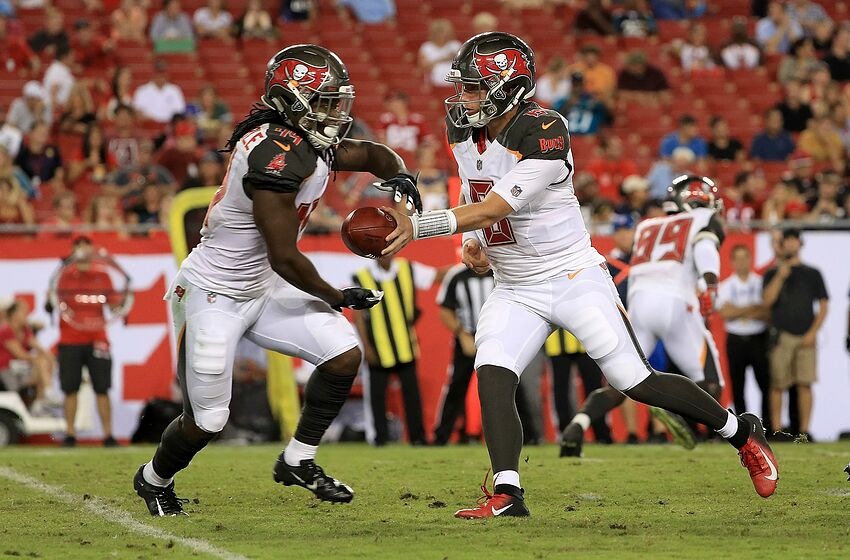 Tampa Bay Buccaneers sign eight players to futures deals 4423f186d