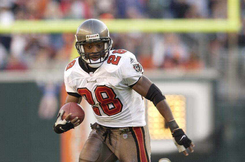 c669e51bc 02 Dec 2001 : Warrick Dunn of the Tampa Bay Buccaneers during the game  against the