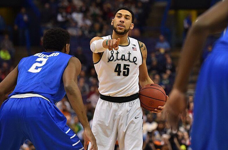 finest selection 64765 52e07 Philadelphia 76ers Should Draft Denzel Valentine
