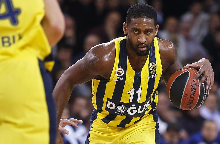 hot sale online 54712 15c7a Philadelphia 76ers could be interested in Turkish star Brad ...
