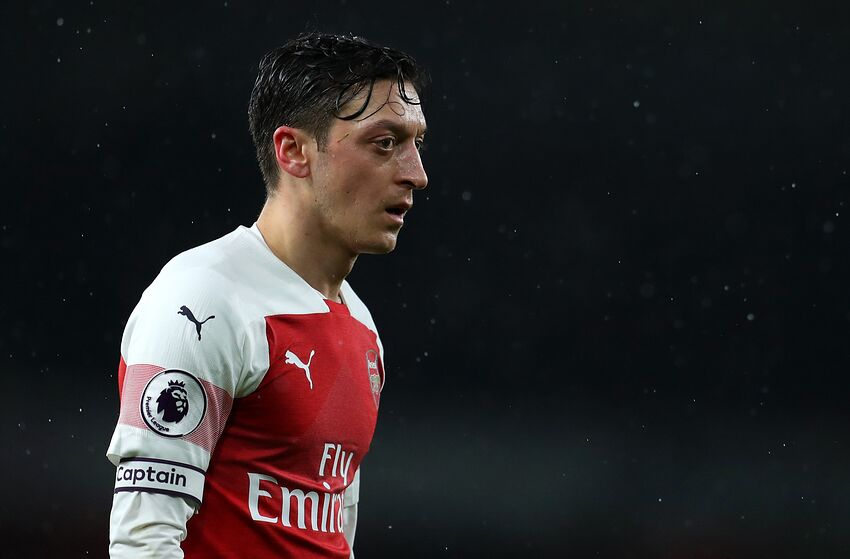 1bf79ebbec6 Arsenal  Unai Emery s Treatment of Mesut Ozil is Getting Out of Hand