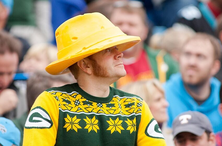 Green Bay Packers  John Kuhn appearing in cheesehead comedy f8df84539