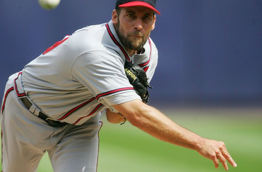 NEW YORK - SEPTEMBER 06: Pitcher John Smoltz #29 of the Atlanta Braves throws against the New York Mets September 6, 2006 at Shea Stadium in the Flushing neighborhood of the Queens borough of New York City. (Photo by Jim McIsaac/Getty Images)