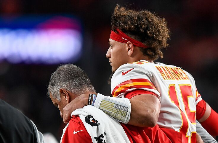 Qb Injury All Too Familiar For Mizzou Tigers And K C Chiefs