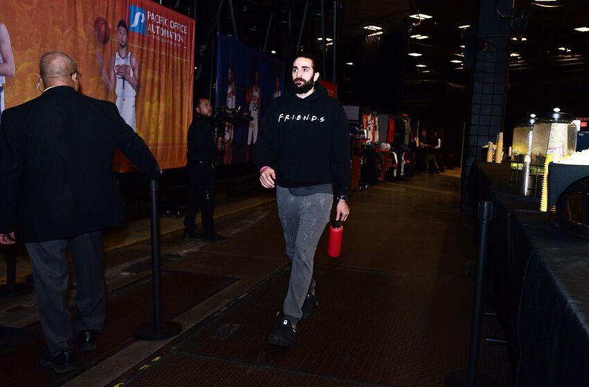 PHOENIX, AZ - NOVEMBER 7: Ricky Rubio #11 of the Phoenix Suns arrives prior to a game against the Miami Heat on November 7, 2019 at Talking Stick Resort Arena in Phoenix, Arizona. NOTE TO USER: User expressly acknowledges and agrees that, by downloading and or using this photograph, user is consenting to the terms and conditions of the Getty Images License Agreement. Mandatory Copyright Notice: Copyright 2019 NBAE (Photo by Michael Gonzales/NBAE via Getty Images)