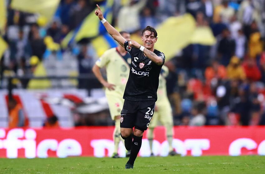 04ab7712a Defending champs America struck by lightning in Estadio Azteca
