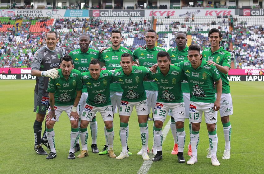 3a845b8277e LEON, MEXICO - MAY 04: Players of Leon pose prior the 17th round match