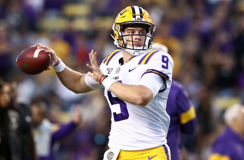 BATON ROUGE, LOUISIANA - OCTOBER 12: Quarterback Joe Burrow #9 of the LSU Tigers throws the ball against the Florida Gators at Tiger Stadium on October 12, 2019 in Baton Rouge, Louisiana. (Photo by Marianna Massey/Getty Images)