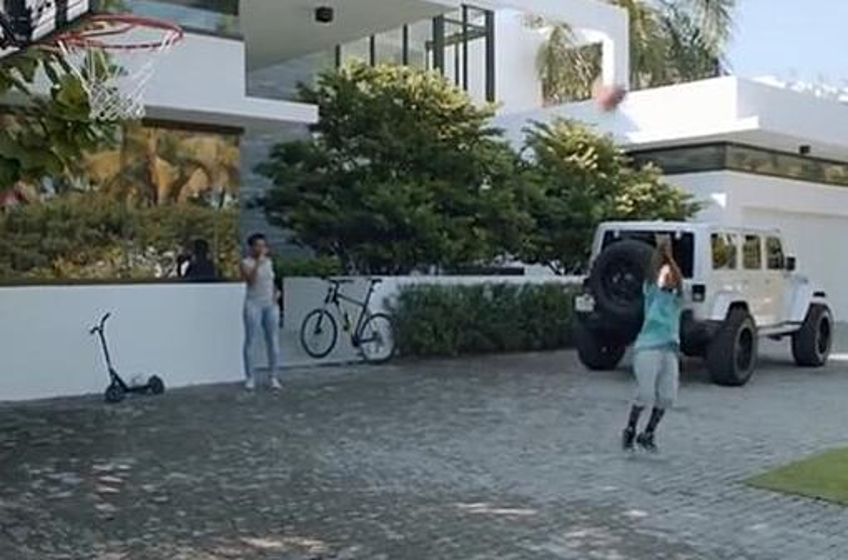 lebron james puts miami home up for sale. Black Bedroom Furniture Sets. Home Design Ideas