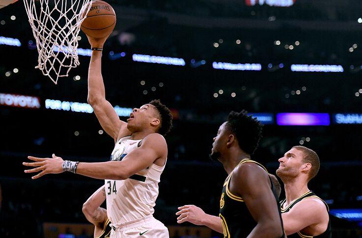 Los Angeles Lakers V Milwaukee Bucks March 17
