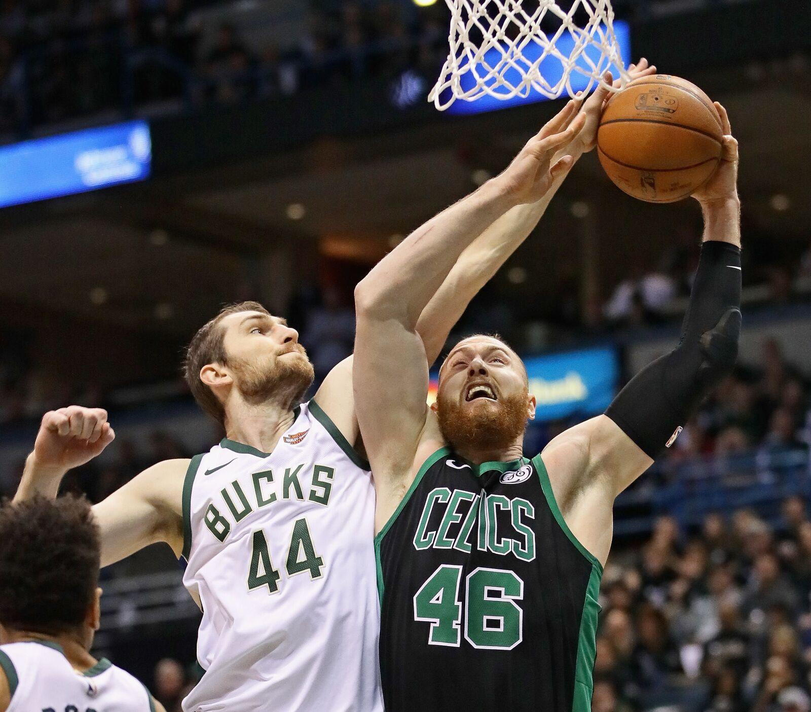 Milwaukee Bucks: Tyler Zeller's fight to keep his roster spot