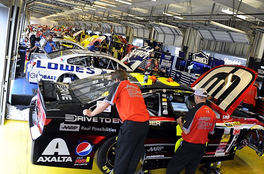 Nascar staff predictions for kentucky for Garage sprint auto stains