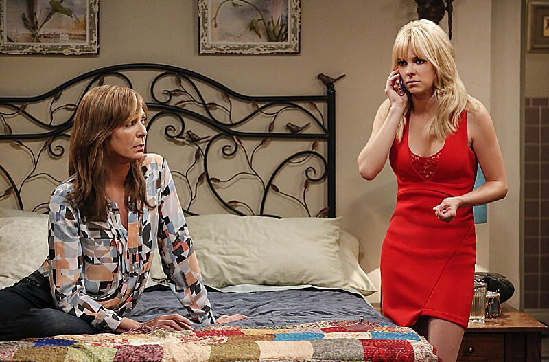 When does CBSs Mom return with new episodes?