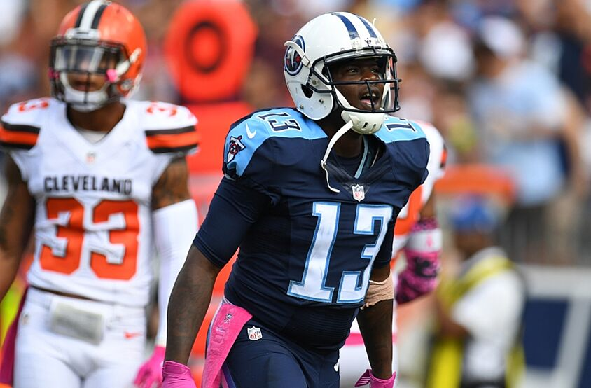 Nissan New Orleans East >> Kendall Wright Makes Insane Diving Catch, Gets Up and ...