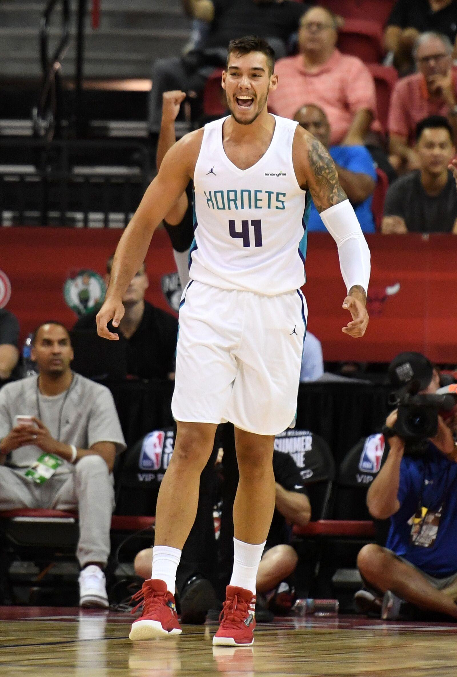 Charlotte Hornets: Willy Hernangomez shines in Summer League