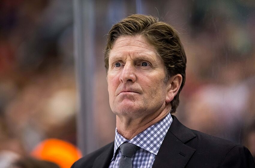 Leafs: Mike Babcock Loses it After Soft Call Leads to ...