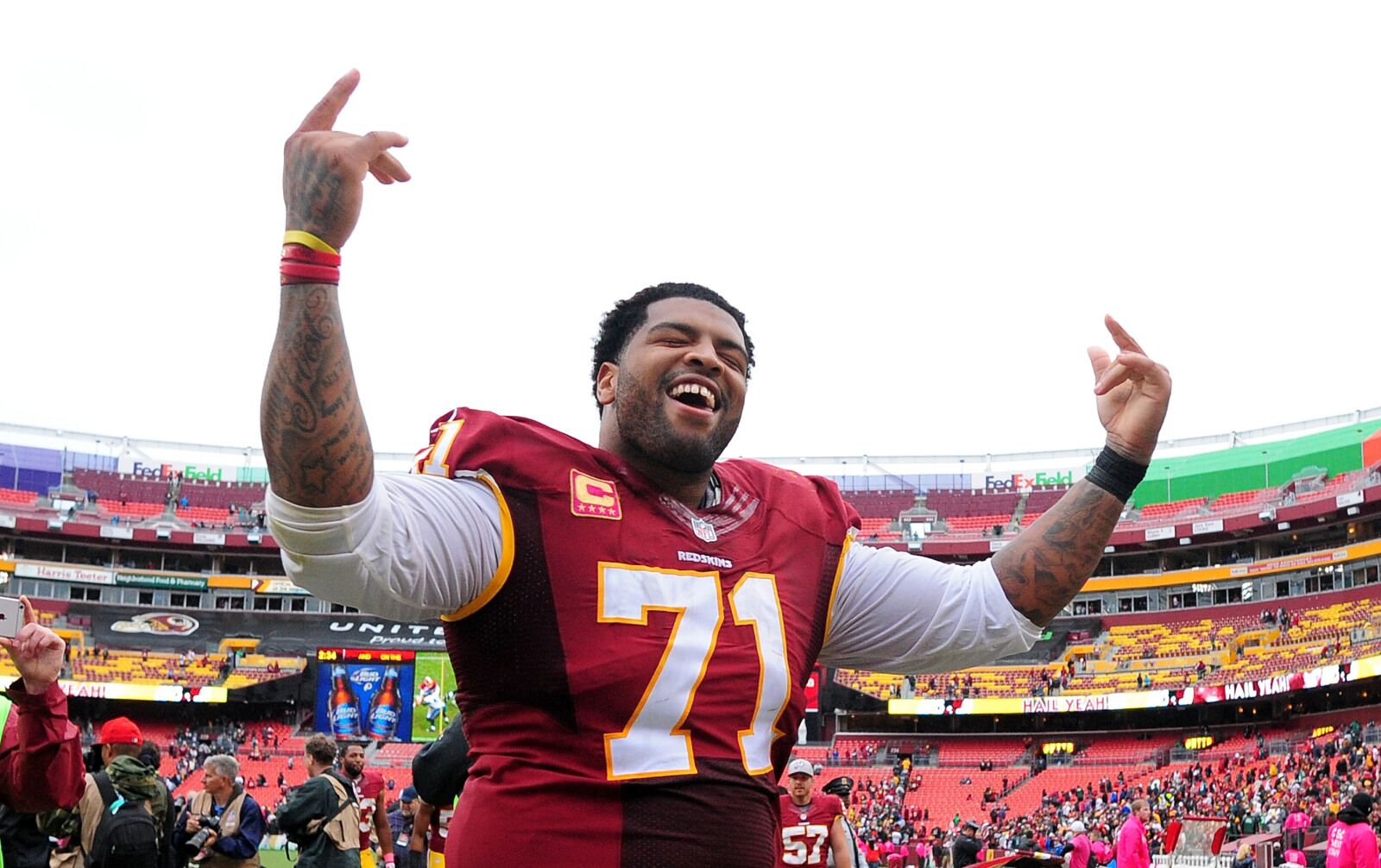 Trent Williams would be an absolute godsend for the Seahawks now