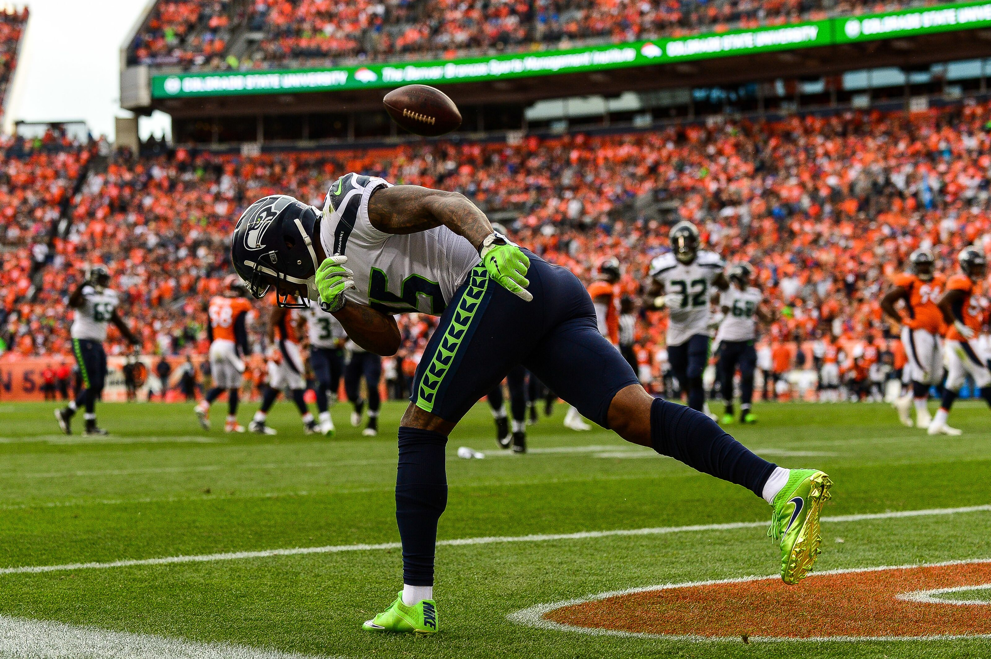 251becb2a0b Seahawks release Brandon Marshall to clear roster space, but not for trade